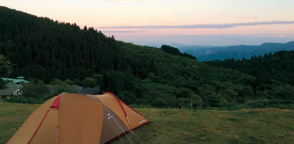 Hasil gambar untuk Snow Peak Okuhita Campfield